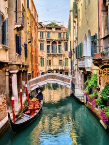 Фотообои итальянские улочки водные каналы (city-0001220)