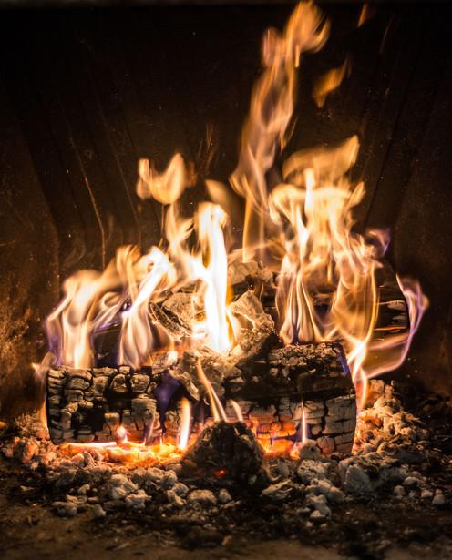 Фотообои дрова в огне (fire-018)