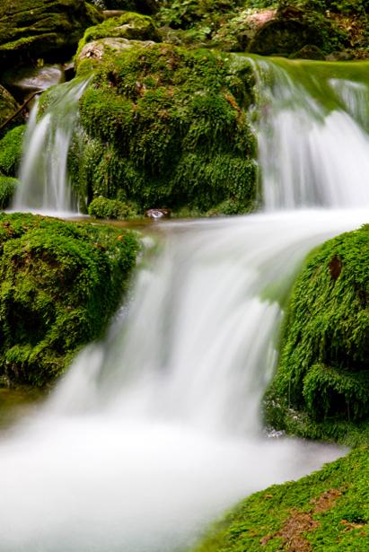 Фотообои горный водопад бегущая вода (nature-00445)