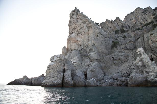 Фотообои скалы в Черном море (sea-0000267)