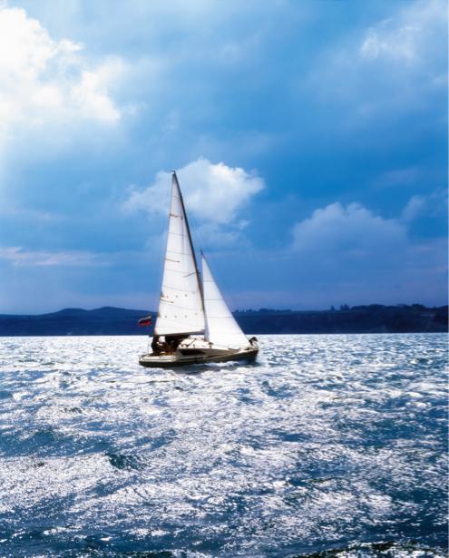 Фотообои яхта в открытом море парус (transport-0000094)