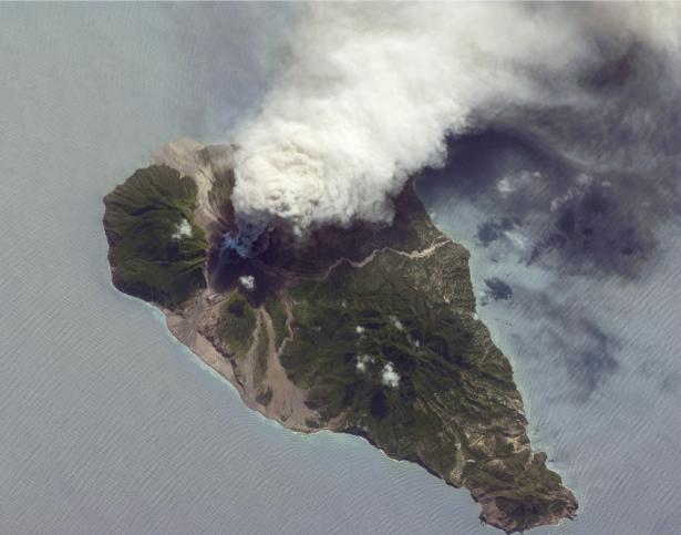 Фотообои NASA остров вулкана (terra-00271)