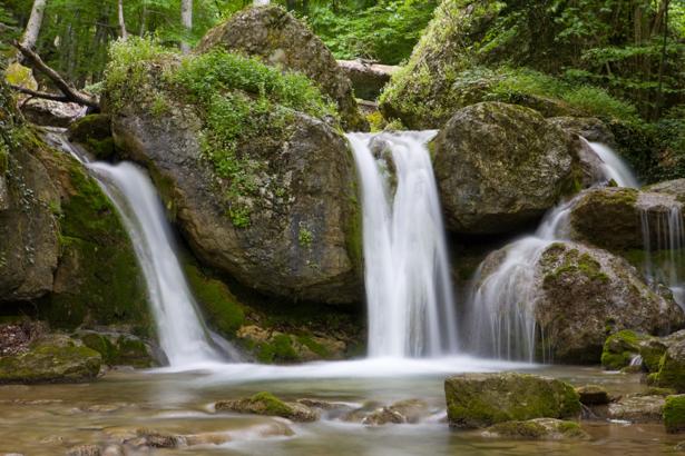 Фотообои горная река водопад (nature-00449)