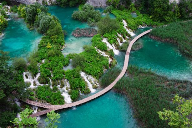 Фотообои водопад в национальном парке в Хорватии (nature-869)