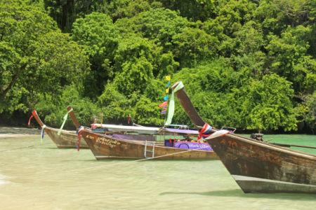 Фотообои рыбацкие лодки на реке (sea-0000376)