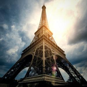 Фотообои - Эйфелева башня небо (city-0001290)
