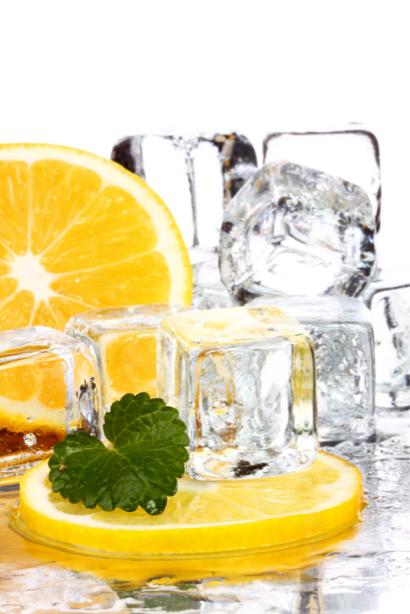 Фотообои в кухню лимон во льду (food-0000289)