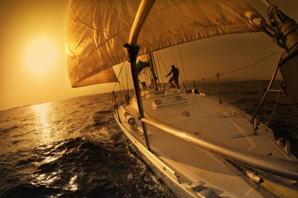 Фотообои палуба яхты идущей по морю (transport-0000044)