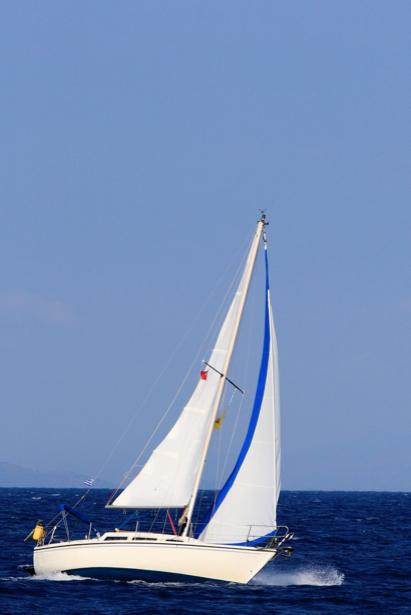 Фотообои фото яхта в открытом море (transport-0000092)