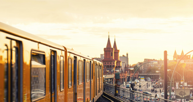 Фотообои Берлин Германия поезд (transport-0000225)