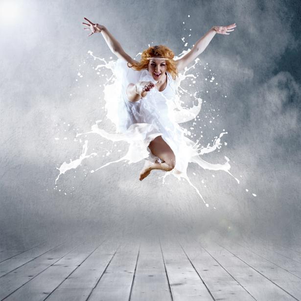 Фотообои молочный танец (glamour-0000003)