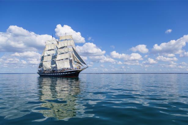 Фотообои корабль в море (transport-0000213)