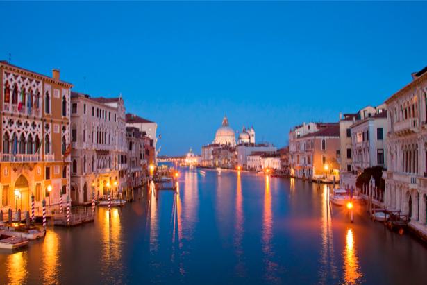 Фотообои канал в Венеции, Венеция, Италия (city-0000009)