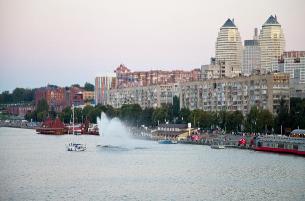 Фотообои Днепропетровск фонтан набережная (city-0000917)