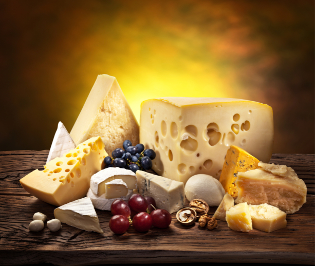 Фотообои для кухни натюрморт с сыром (food-0000276)