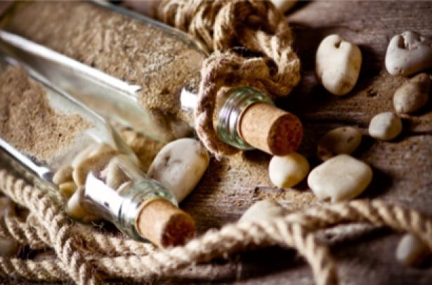 Фотообои бутылки морские камешки (sea-0000101)