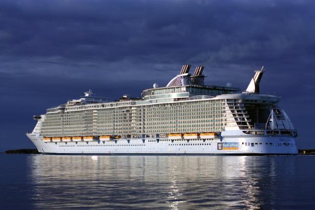 Фотообои круизный лайнер море (transport-0000095)