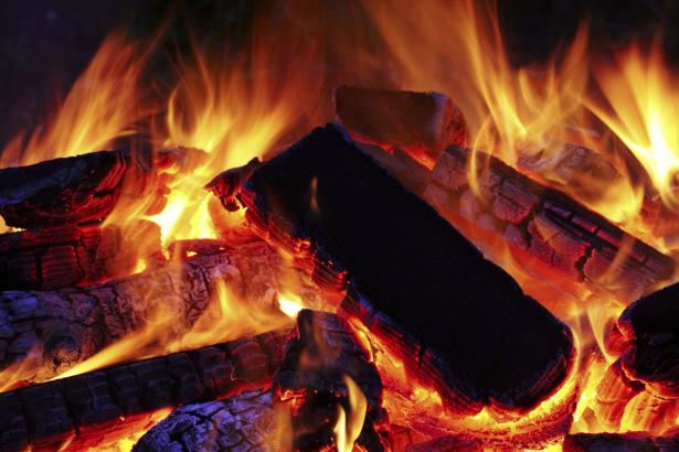 Фотообои горящие угли (fantasy-0000097)