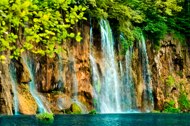 Фотообои с природой горный водопад и деревья (nature-00133)