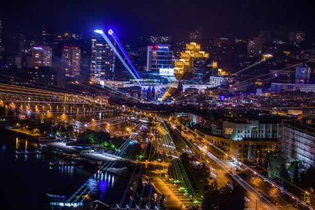 Фотообои Днепропетровск лучи света (city-0000927)