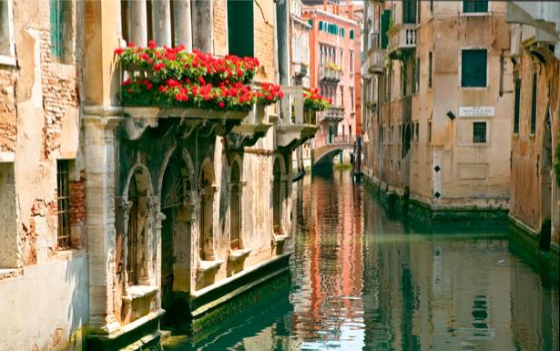 Фотообои канал в Венеции Италия (city-0000139)