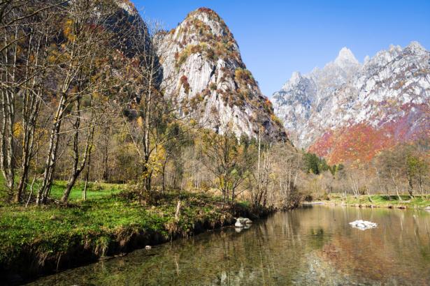 Фотообои горный пейзаж река осень (nature-0000795)