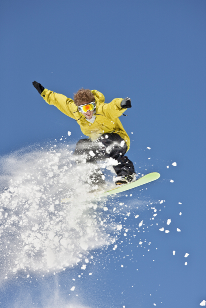 Фотообои сноубордист прыжок снег (sport-0000007)