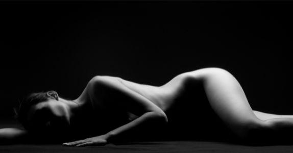 Фотообои обнаженное женское тело (glamour-0000248)
