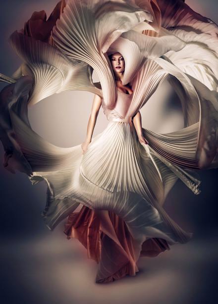 Фотообои Девушка и платье (glamour-315)