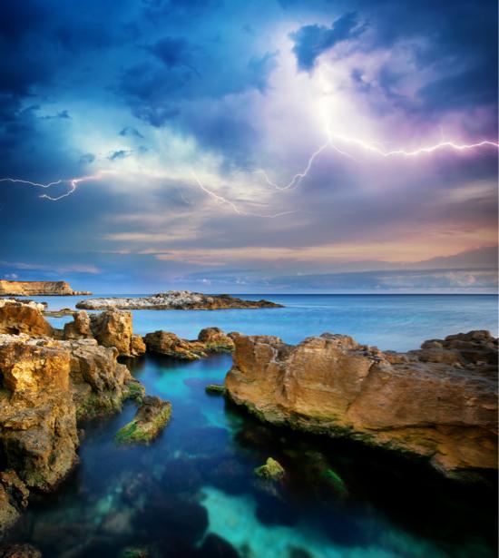 Фотообои море молния на небе (nature-00560)