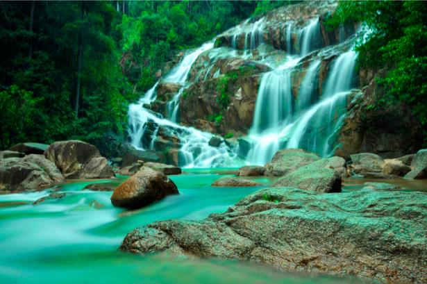 Фотообои природа изумрудный горный водопад (nature-00389)