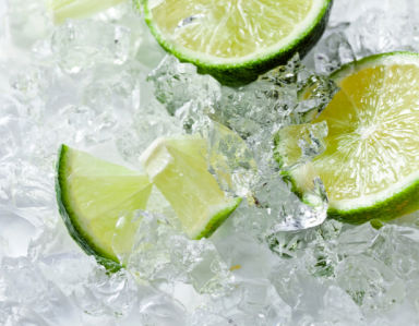 Фотообои на кухне лайм во льду (food-0000304)