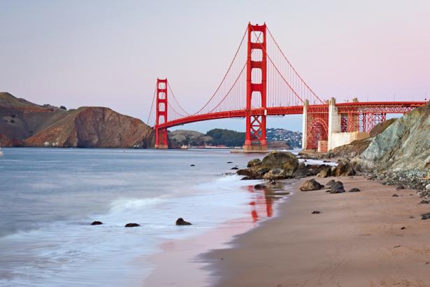 Фотообои красный мост (city-0000810)