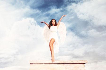 Фотообои девушка ангел с белыми крыльями (glamour-0000287)