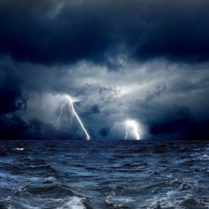 Фотообои гроза над морем (sky-0000137)