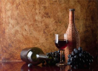Фотообои виноград черный винная бутылка (still-life-0010)