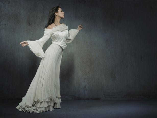 Фотообои обаяние в белом (glamour-0000126)