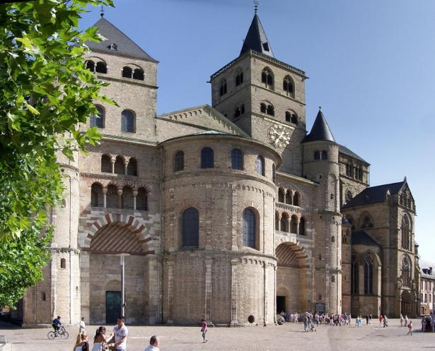 Фотообои Костел Европа замок (city-0000761)
