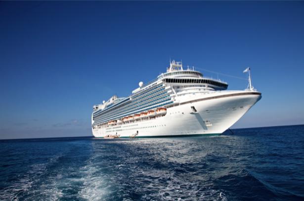 Фотообои круизный лайнер в море (transport-0000166)
