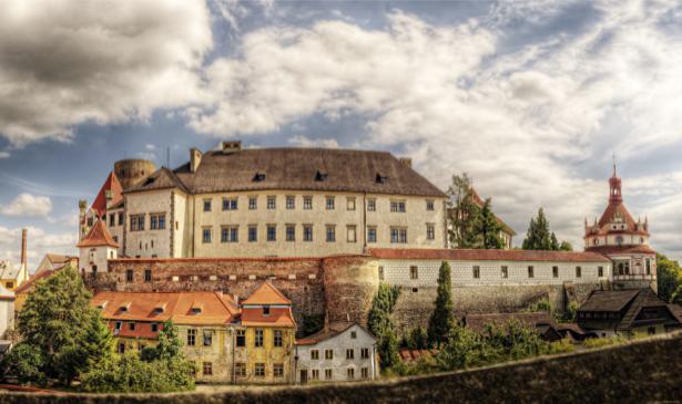 Фотообои Замки Чехия Йиндржихув-Градец (city-0000749)