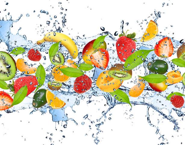 Фотообои свежие фрукты в воде (food-353)