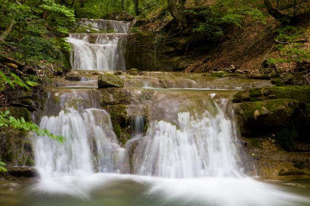 Фотообои каскадный горный водопад (nature-00448)