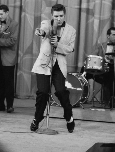 Фотообои Элвис Пресли черно-белые фото (retro-vintage-0000214)