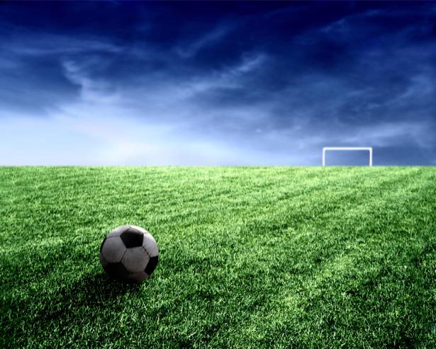 Фотообои мяч на поле (sport-0000030)