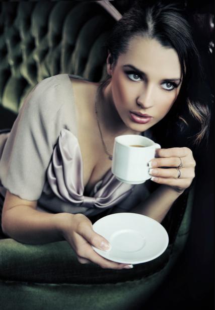 Фотообои девушка платье кофе (glamour-0000122)