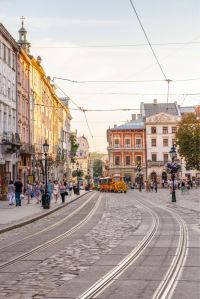 Фотообои трамвайчик на Рыночной площади (ukr-50)