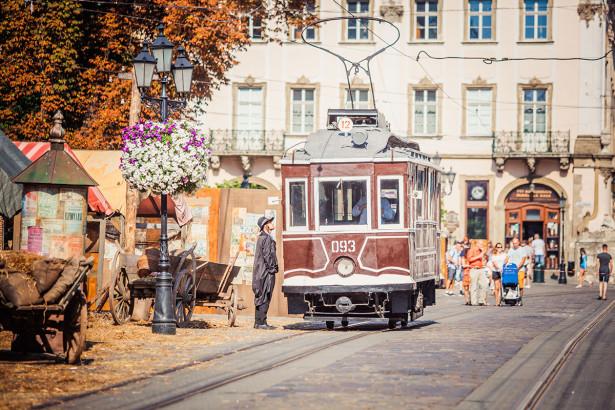 Фотообои Съемки фильма во Львове (ukr-72)