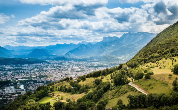 Фотообои вид на горы и город (nature-00478)