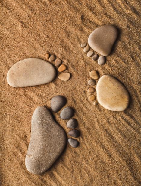 Фотообои для ванны следы на песке (underwater-world-00081)